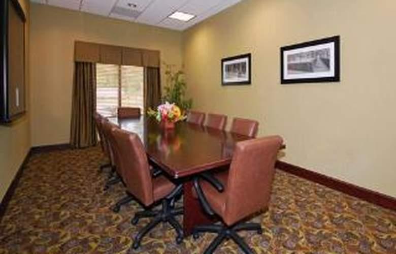 Comfort Suites Southwind - General - 2