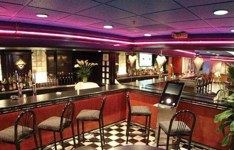 Carlyle Suites Hotel - Bar - 9