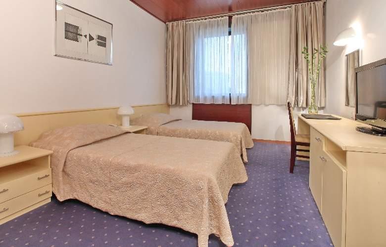 Slavija Garni - Room - 5