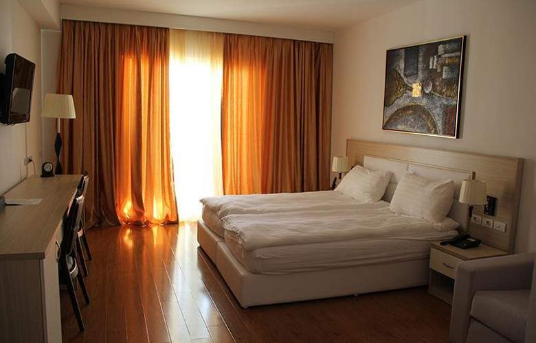 Bleart - Hotel - 0