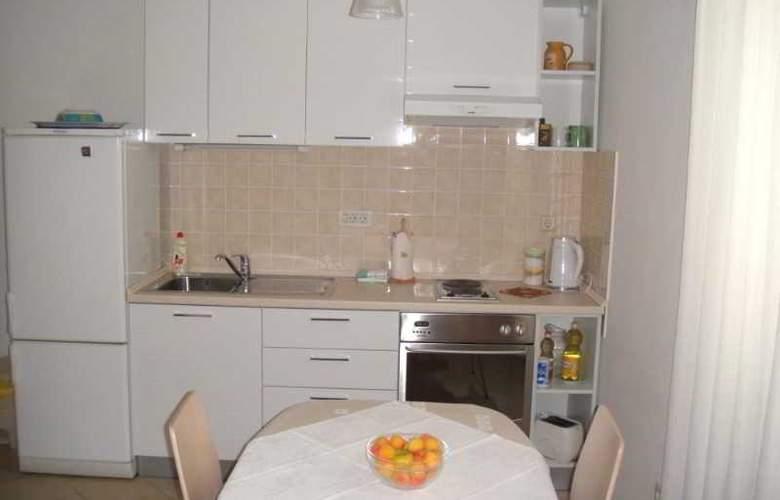 Apartmani Ivana - Room - 6