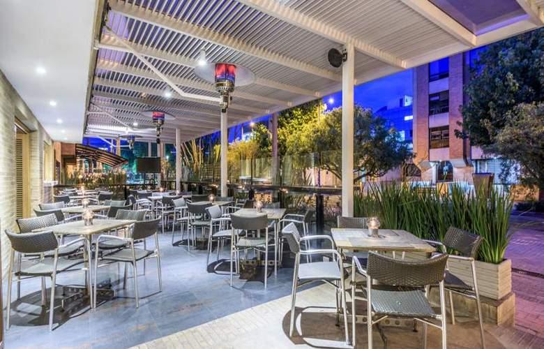 NH Bogotá Pavillon Royal - Terrace - 7