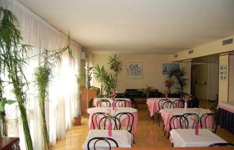 Ascot - Restaurant - 4