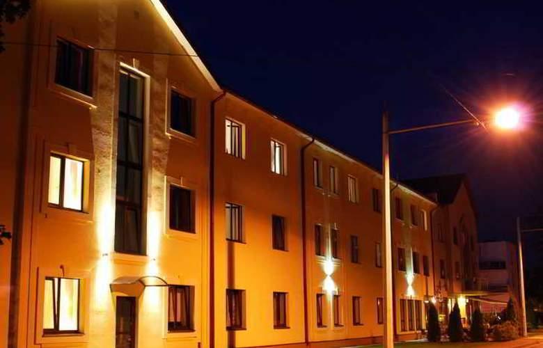 Best Hotel - Hotel - 11