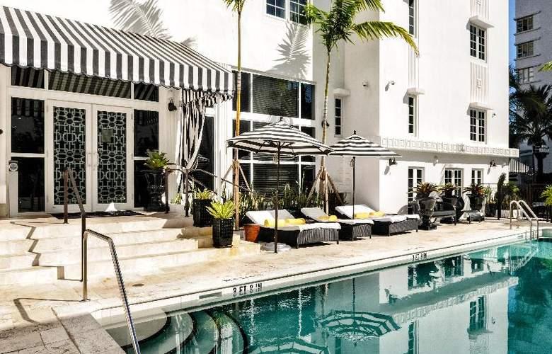 Croydon Miami Beach - Pool - 3