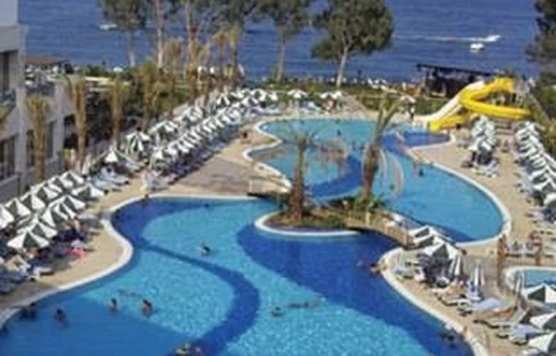 Alkoclar Kemer Hotel - Pool - 4