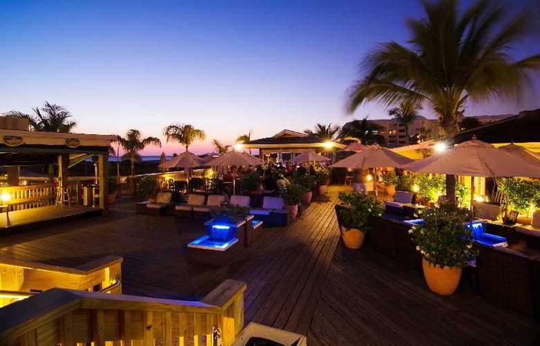 Beachcomber Beach Resort & Hotel - Bar - 9