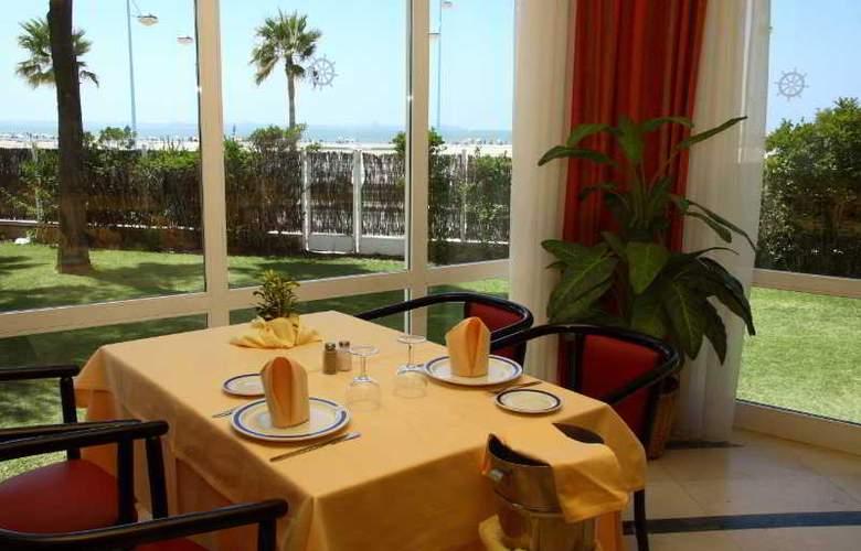 Puerto Bahia & Spa - Restaurant - 20