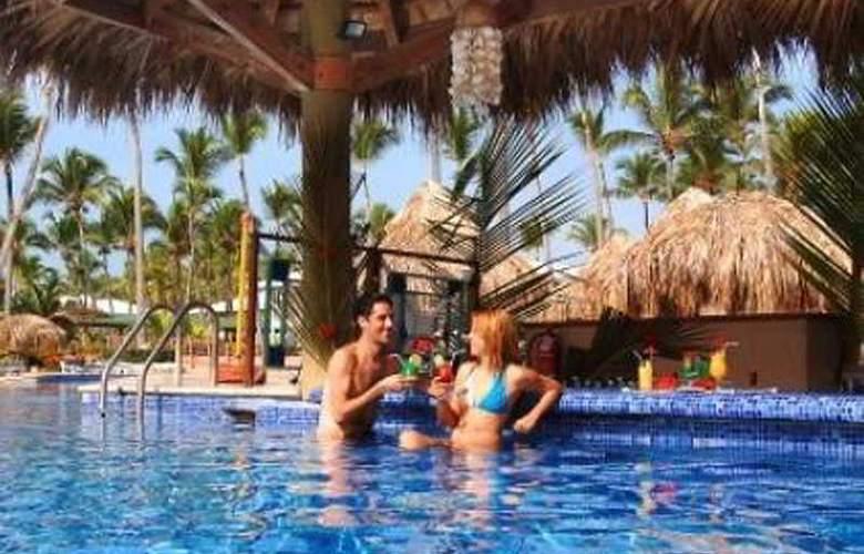 Sirenis Tropical Suites Casino