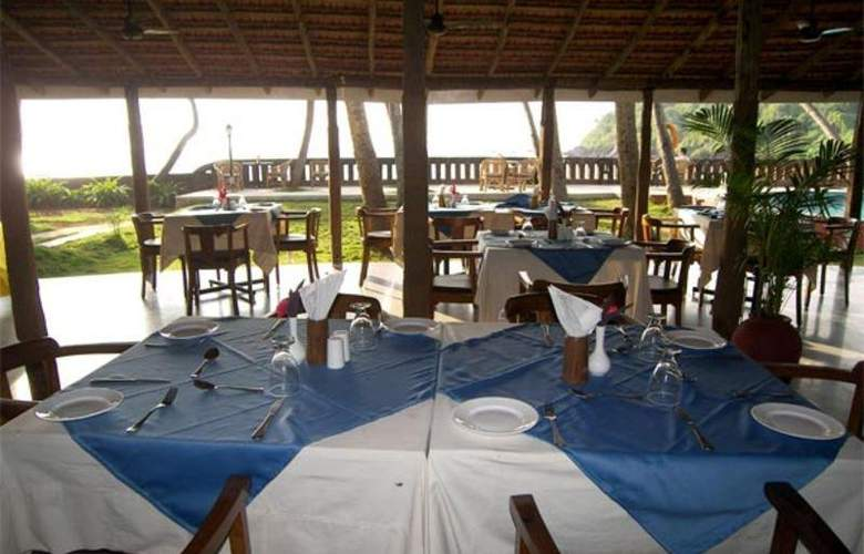 Prainha Resort & Cottage By The Sea - Restaurant - 10