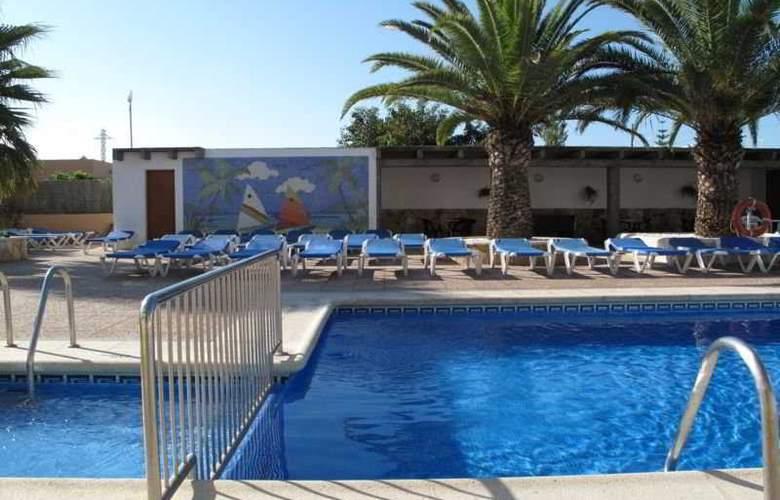 Zodiac Apartamentos - Pool - 8