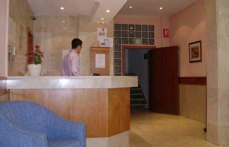 Condedu Badajoz - Hotel - 0