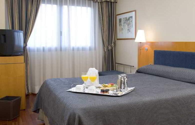 NH Ciudad de Valladolid - Room - 1