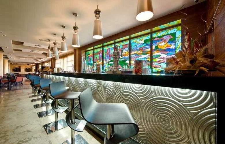 Elba Costa Ballena Beach & Thalasso Resort - Bar - 7