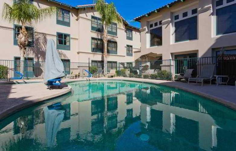 Hampton Inn & Suites Phoenix Goodyear - Hotel - 4