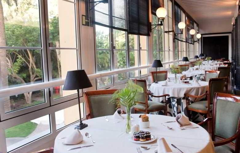 Escuela Santa Brigida - Restaurant - 13