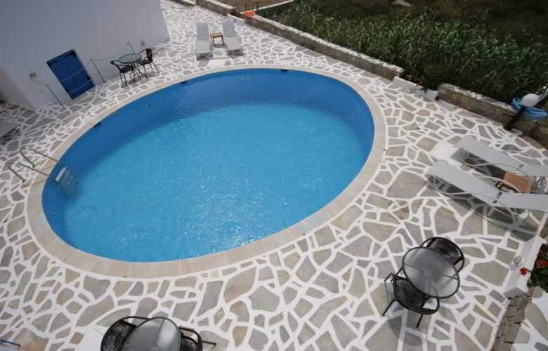 Sunny Beach - Pool - 4