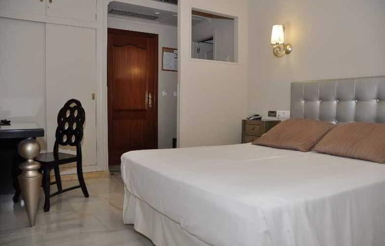 Doña Carmela Sercotel - Room - 18