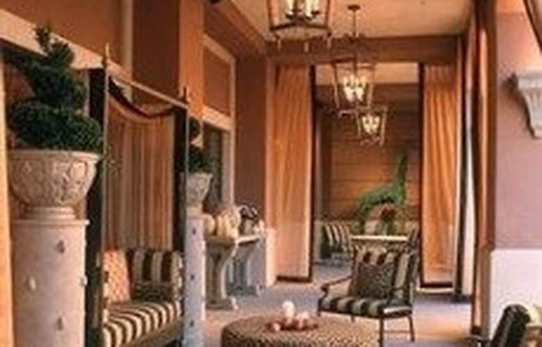 Cypress Hotel - Terrace - 9
