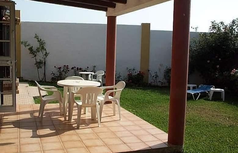 Apartamentos Cortijo Fontanilla - Terrace - 6