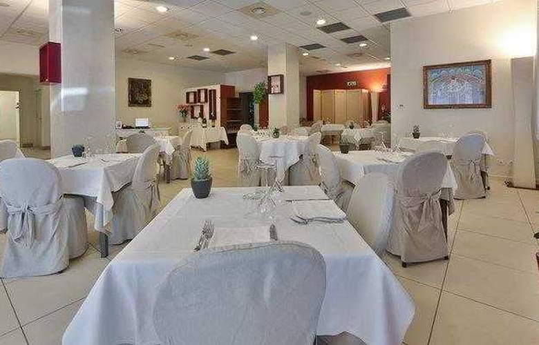 Best Western Cristallo - Restaurant - 80