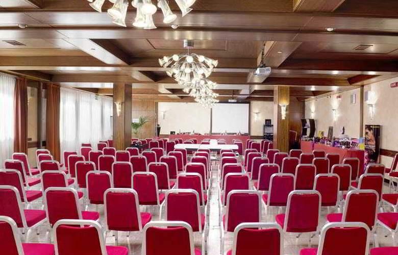 Al Pino Verde - Conference - 9