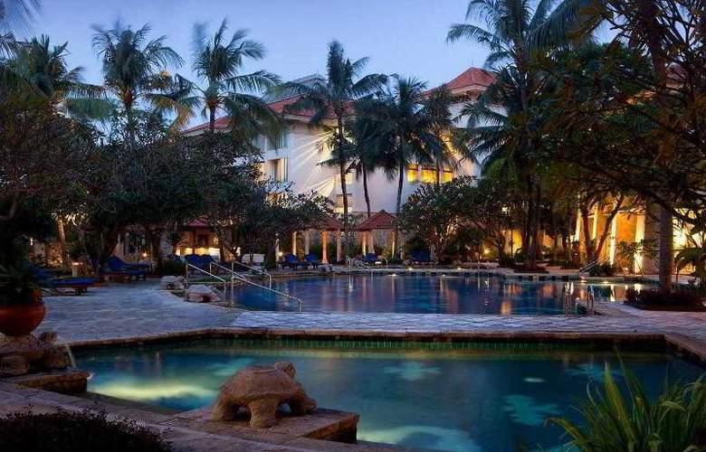 SHERATON BANDARA HOTEL - Pool - 16
