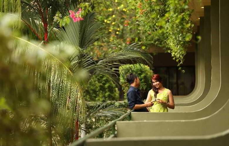 Goodway Hotel Batam - Terrace - 5