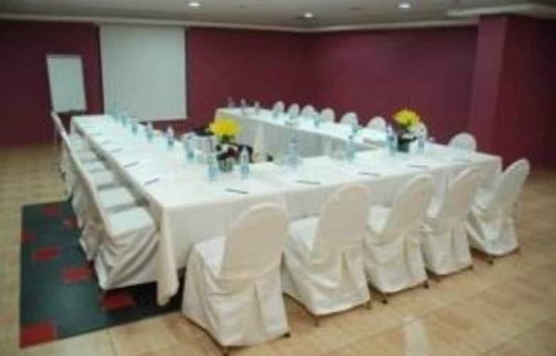 Aquavista Hotel & Suite - Conference - 2