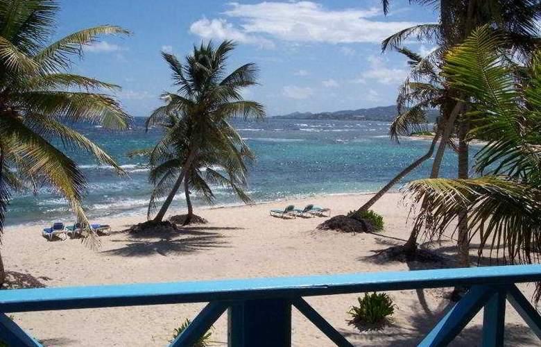 Hibiscus Beach Resort - Beach - 5