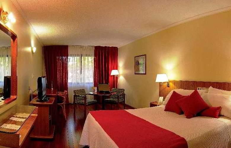 Balmoral Plaza - Room - 1