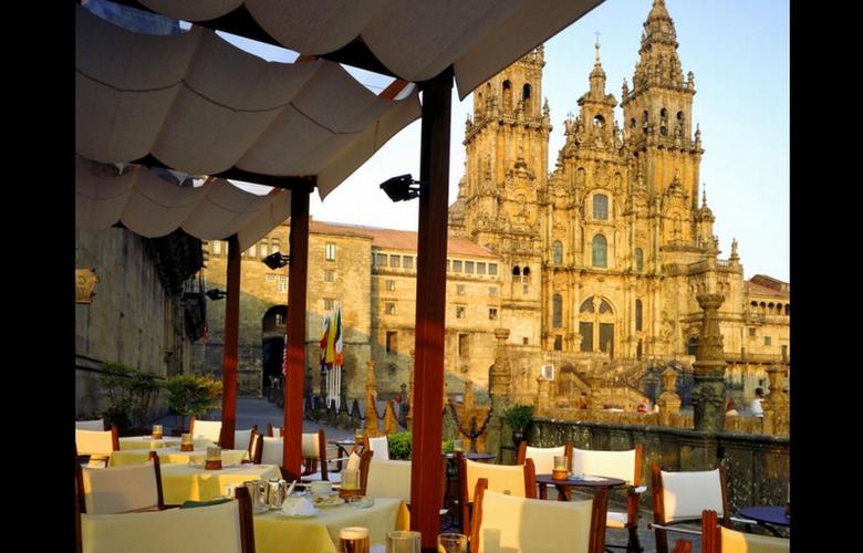 Parador de Santiago de Compostela - Hostal dos Reis Católicos - Terrace - 4