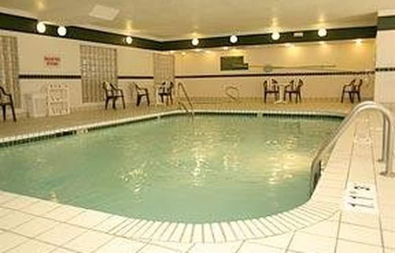 Comfort Suites Park Central - Pool - 5
