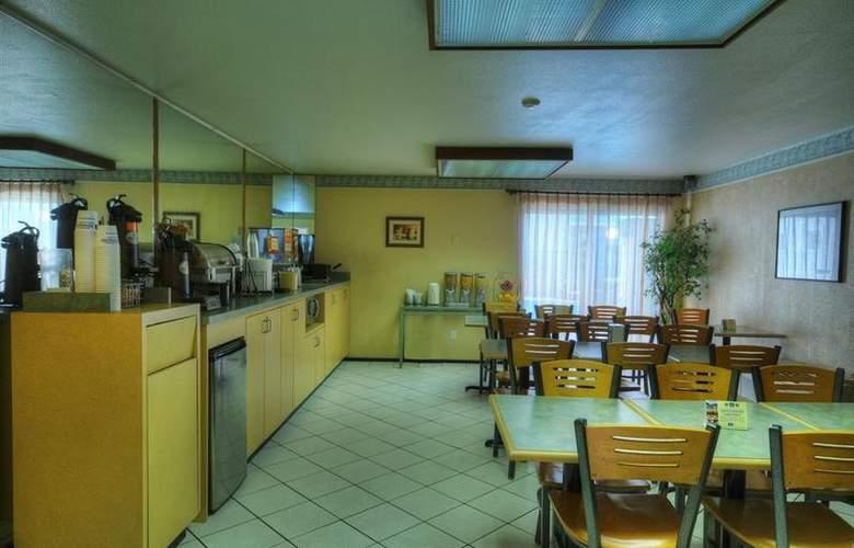 Best Western Plus Inn Of Hayward - Restaurant - 20