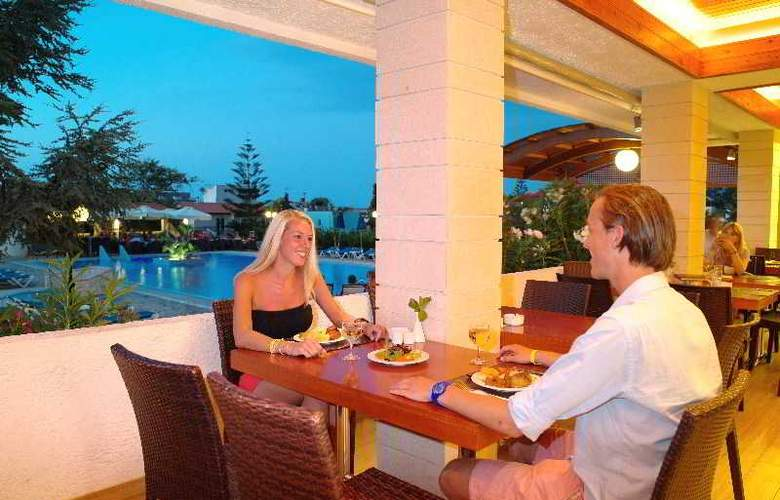 Kyknos Beach Hotel and Bungalows - Terrace - 31