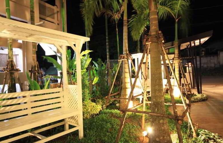 Dee Andaman Hotel Pool Bar - Hotel - 10