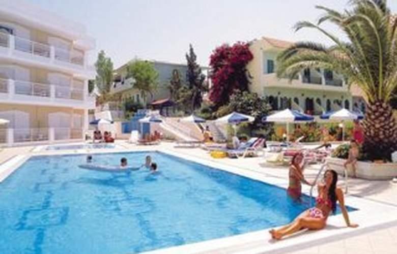 Lavris Paradise - Pool - 6