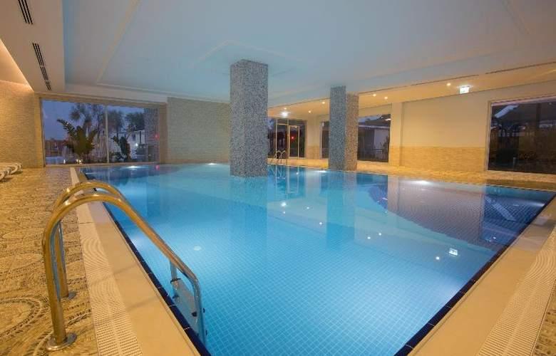 Water Side Delux Resort - Pool - 58