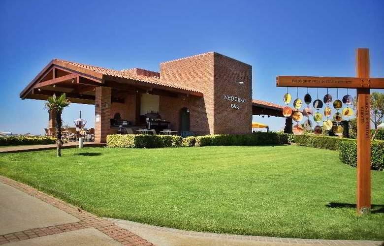 Gloria Verde Resort - Bar - 15