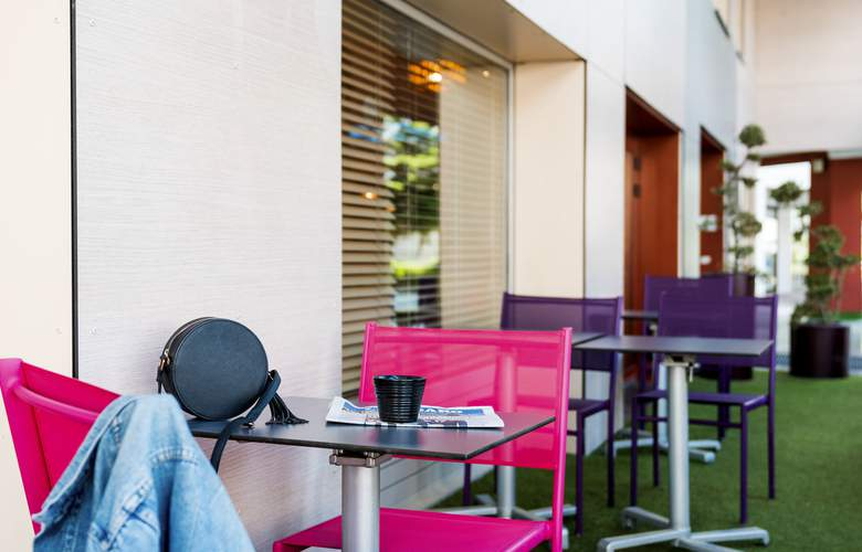Ibis Styles Annecy Centre Gare - Terrace - 6