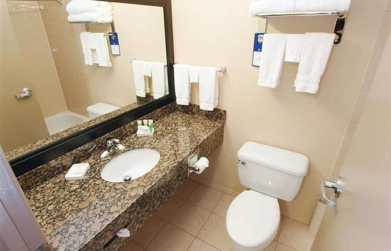 Best Western Pembina Inn & Suites - Room - 136