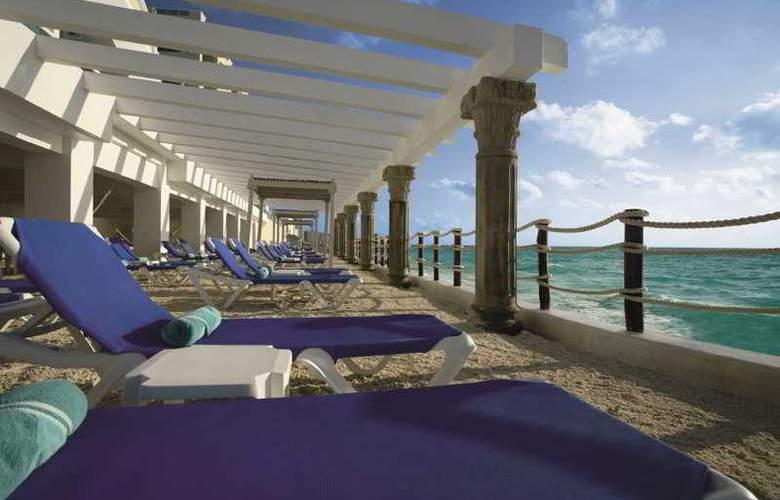 Panama Jack Resorts Gran Caribe Cancun - Terrace - 44