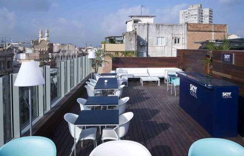 Axel Hotel Barcelona & Urban Spa - Terrace - 9