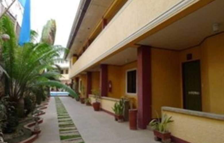 Turissimo Garden Hotel - Hotel - 8