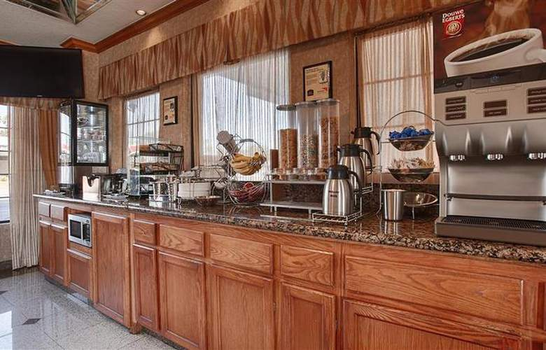 Best Western Airpark Hotel - Restaurant - 78