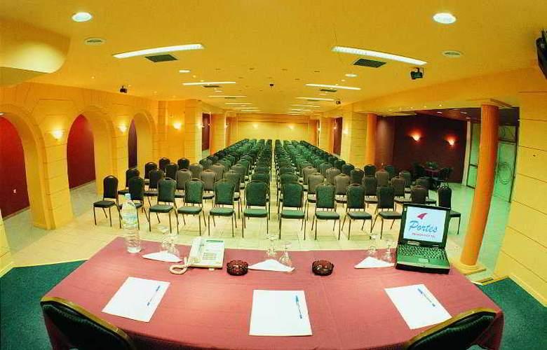 Portes Beach - Conference - 8