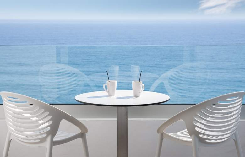 Atlantic Mirage - Terrace - 11