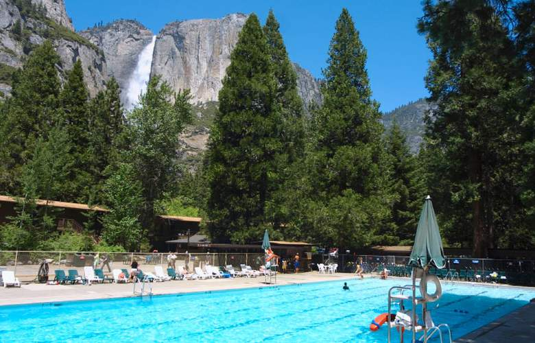 Yosemite Lodge at the Falls - Pool - 0