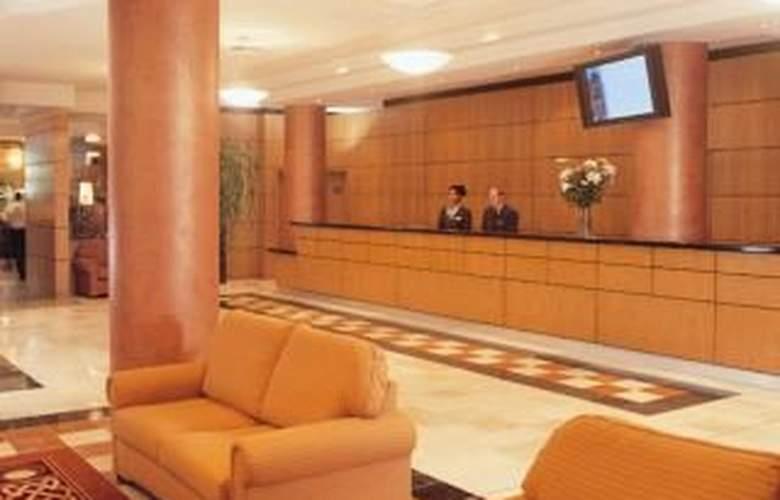 Jurys Inn Croydon - Hotel - 0