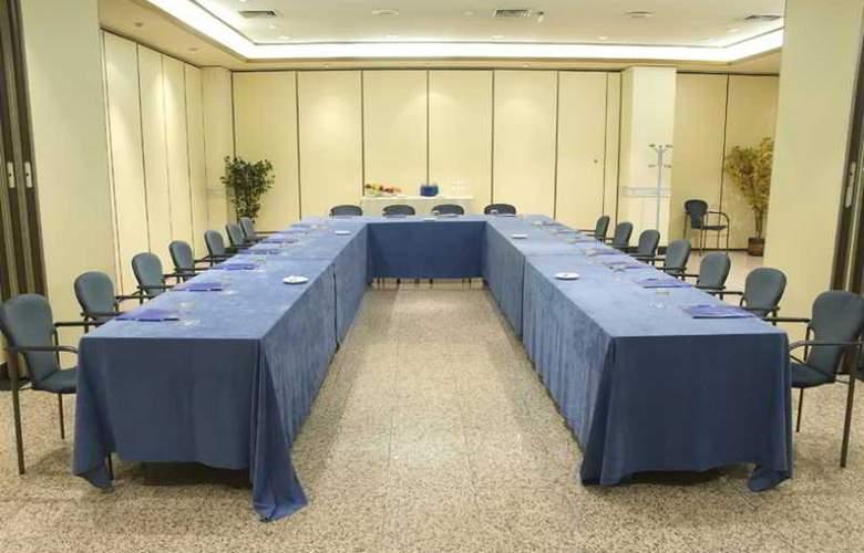 Los Arcos - Conference - 13